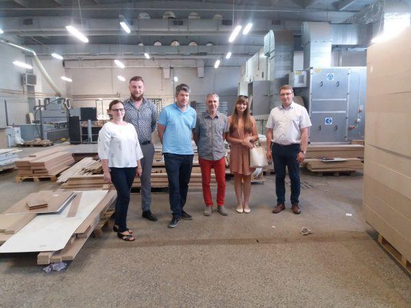 Tłumaczenie w fabryce mebli, Niepołomice, lipiec 2018 r.